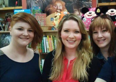 Izabel with Sarah J Maas and her sister